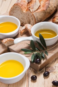 Olive-Oil-Tasting-200x300